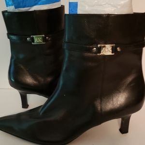 Anne KLEIN BLACK Leather Boot 8M kitten heel EUC